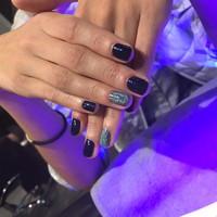 Nails (255)