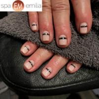 Nails (40)